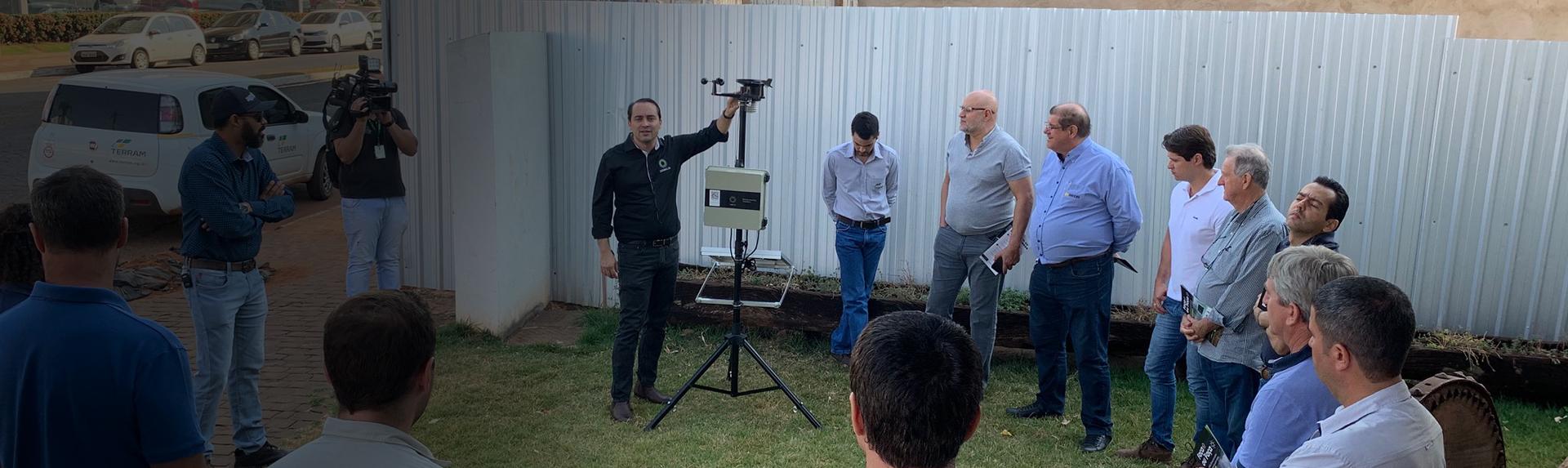 Produtores Rurais de Jataí conhecem a Rede DROKLIN de Monitoramento Climático